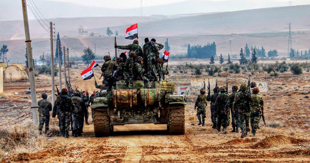 """الجيش السوري يدمر رتلا لـ""""داعش"""" في البادية… وسلاح الجو ينقض"""