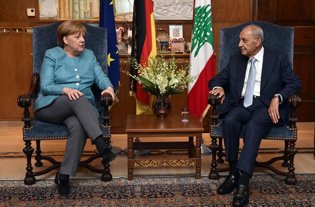 بري استقبل ميركل: لرفع مستوى التنسيق بين لبنان وسوريا لمعالجة قضية النازحين