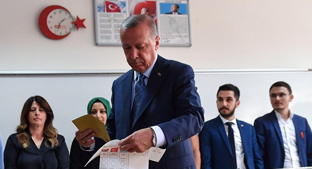 بوتين : فوز اردوغان دليل على نفوذه السياسي الكبير
