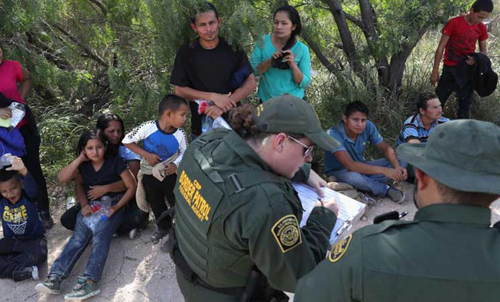 برلمانيون ديموقراطيون: على ترامب وقف فصل ابناء المهاجرين غير الشرعيين