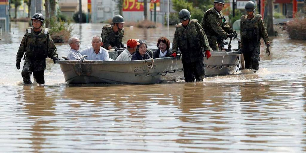اليابان تسابق الزمن مع ارتفاع حصيلة قتلى الأمطار الكارثية