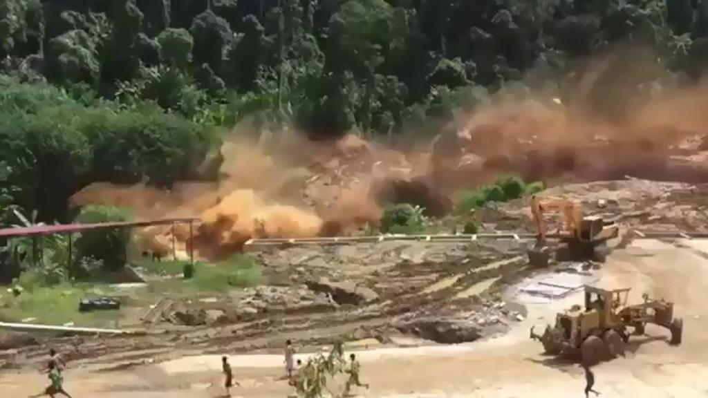 مئات الاشخاص في عداد المفقودين بعد انهيار سد في لاوس