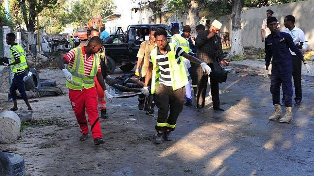 انفجاران يهزان العاصمة الصومالية مقديشو