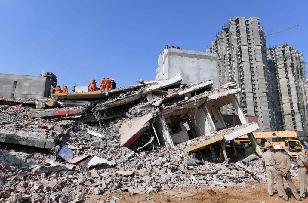 ارتفاع عدد ضحايا انهيار المبنى السكني في ماغنيتوغورسك إلى 11 قتيلاً