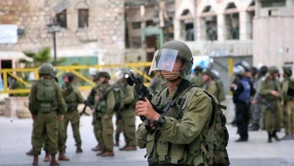 """إصابة 20 مواطنًا عقب اقتحام مئات المستوطنين """"مقام يوسف"""""""