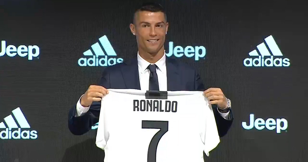 عائدات خيالية من بيع قمصان رونالدو بعد انتقاله إلى يوفينتوس