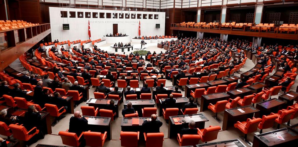 تركيا تصدر مرسوما ينقل بعض الصلاحيات إلى الرئيس