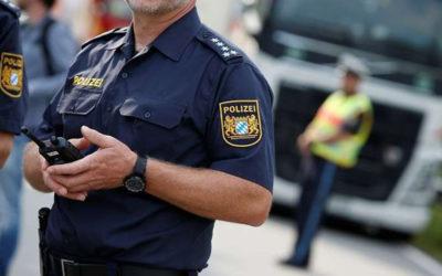 ألمانيا تراقب عشرات الآلاف من الهواتف الجوالة