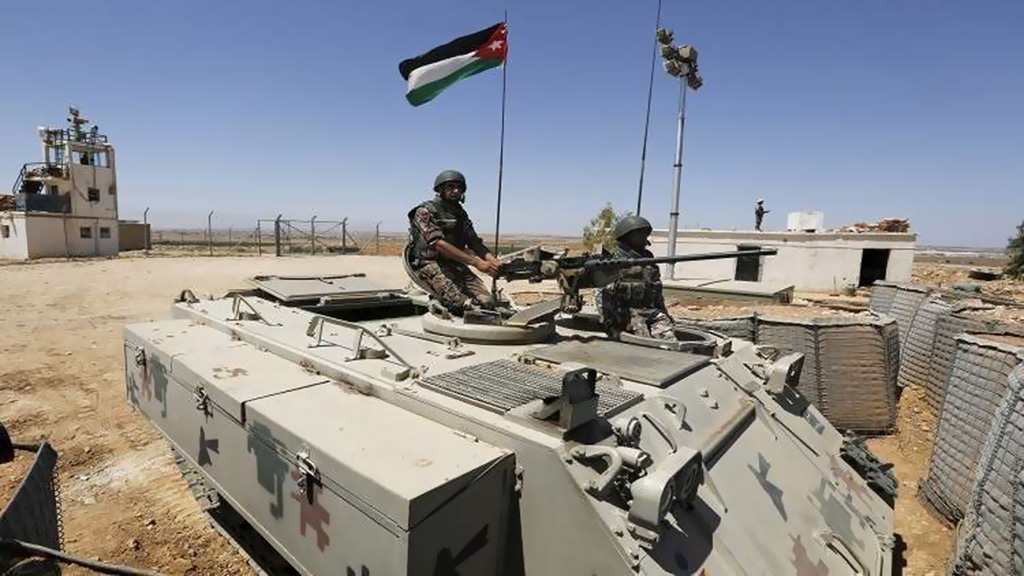 """الجيش الأردني يقصف عناصر لـ""""داعش"""" لدى محاولتهم الاقتراب من الحدود"""