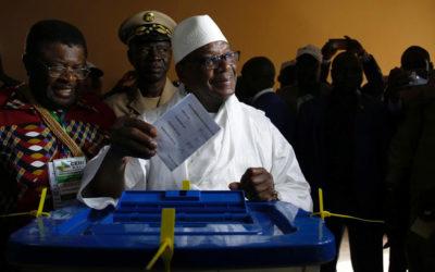 مرشحون للانتخابات الرئاسية في مالي يطعنون بنتائج الدورة الأولى