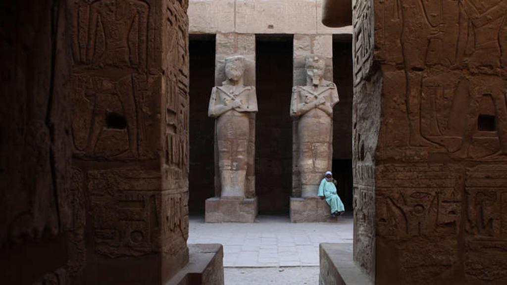 مصر تسترد قطعة أثرية نادرة سرقت من معبد الكرنك