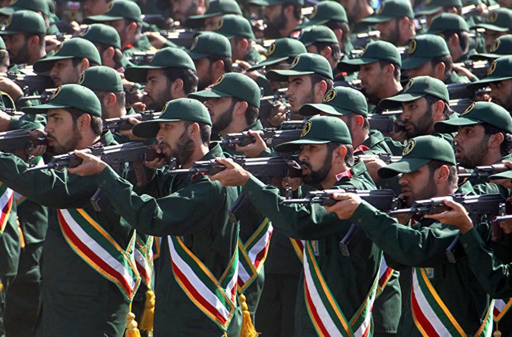 """إيران تعلن أنها أطلقت صواريخ على معسكر """"لارهابيين"""" في سوريا"""