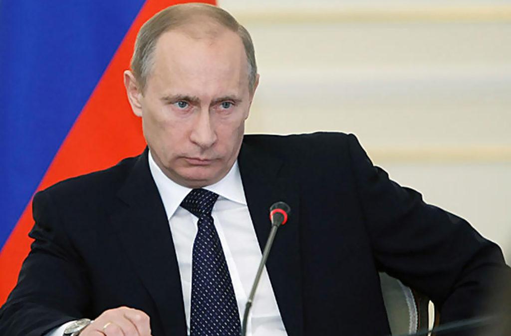 بوتين تعهد مواصلة تعزيز الجيش خلال مناورات فوستوك 2018