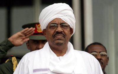 السودان قرر تسليم عمر البشير ومطلوبين آخرين اثنين في ملف دارفور الى المحكمة الجنائية الدولية