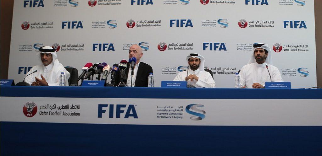 """أمير قطر استقبل رئيس """"فيفا"""" لمناقشة مونديال 2022"""