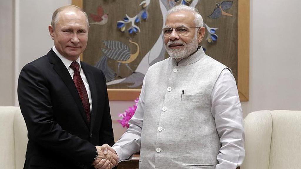 بوتين في الهند لبحث في صفقات أسلحة