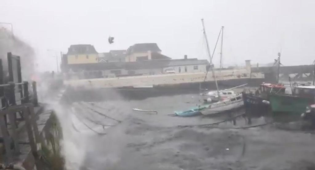 الإعصار ويلا ضرب منطقة الساحل المطل على المحيط الهادي في المكسيك