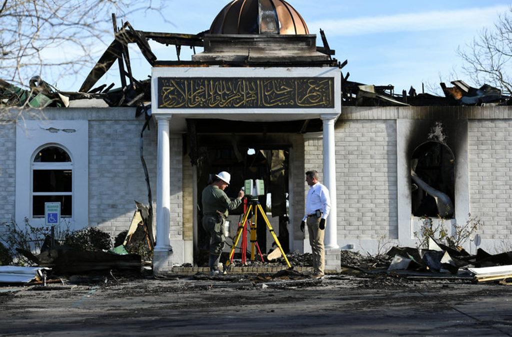 الحكم على رجل أحرق مسجدا في تكساس بالسجن 24 عاما