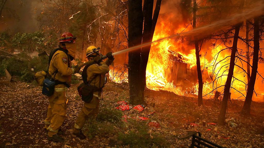 حريق يستهدف مشاهير لوس أنجلوس