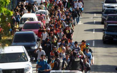أوّل دفعة من قافلة مهاجرين متجهة إلى أميركا تصل إلى عاصمة المكسيك