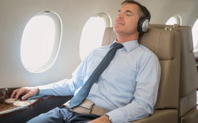 تحذير من النوم عند إقلاع وهبوط الطائرة