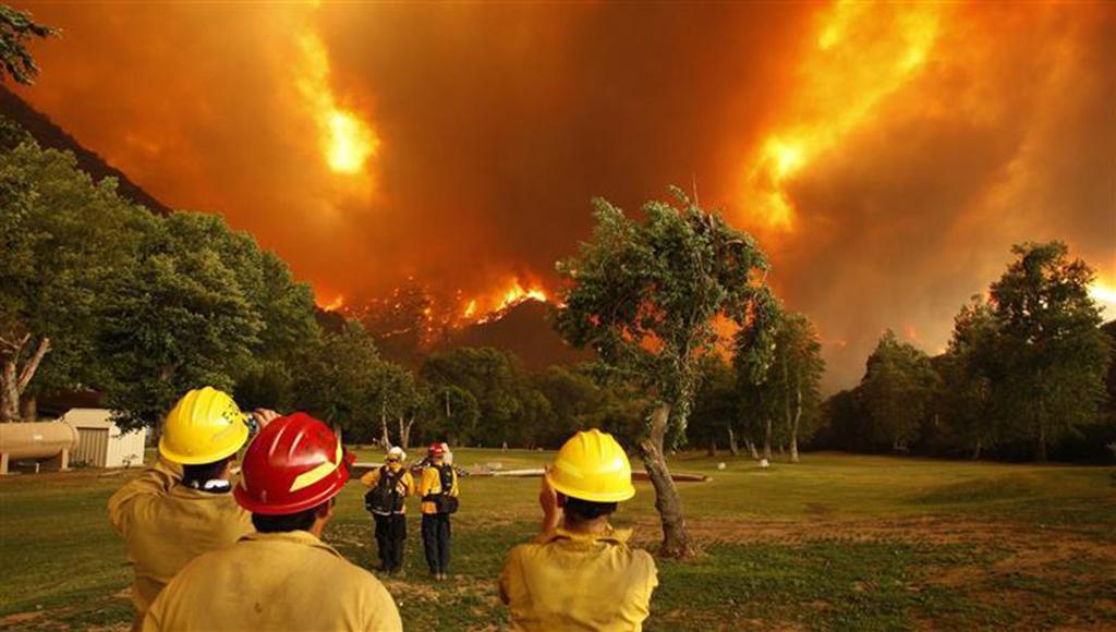 ارتفاع حصيلة حرائق كاليفورنيا الى 77 قتيلا