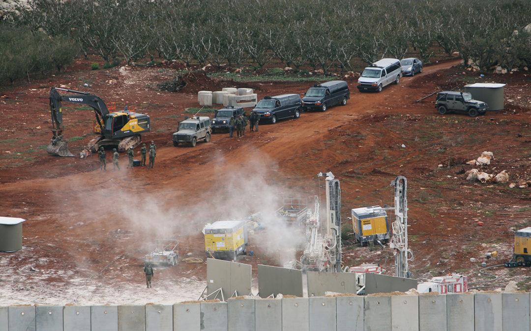 """""""إسرائيل"""" استأنفت أعمال الحفريات ورفع السواتر مقابل منتزهات الوزاني"""