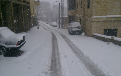 الطقس الخميس ماطر بغزارة الى عاصف والثلوج على 1000 متر