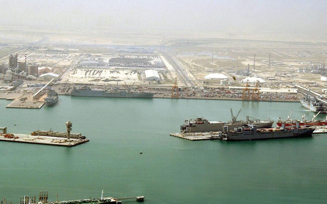 الكويت توقف الملاحة البحرية مؤقتا بسبب الأحوال الجوية