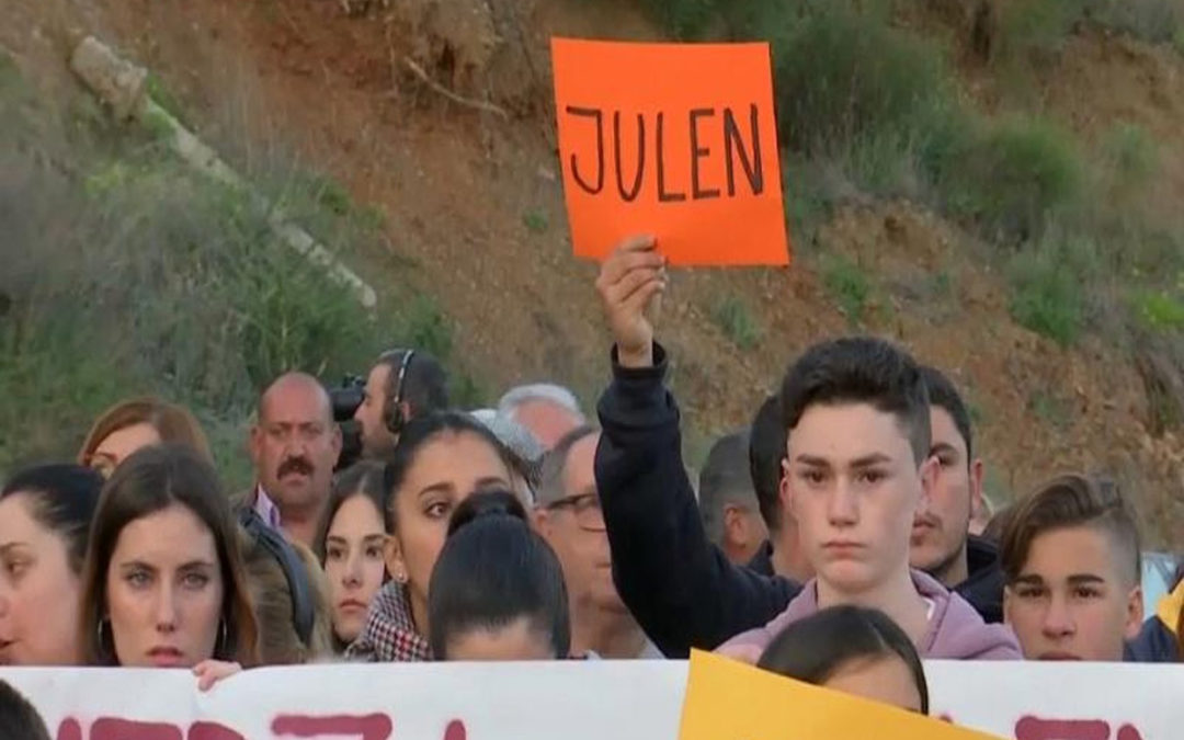 """الطفل """"جولين"""".. قصة 7 أيام لرضيع أسبانى داخل البئر والعمق يقدر بـ110 أمتار.."""