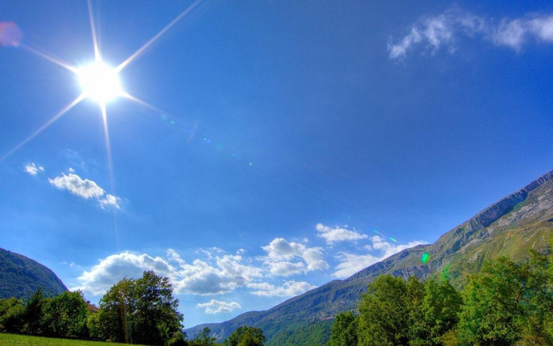 كتل هوائية جافة وطقس نهاية الاسبوع حار مع رياح خماسينية