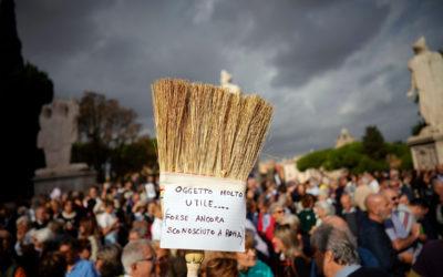 استمرار التظاهرات في العاصمة الايطالية احتجاجا على انتشار النفايات في شوارعها