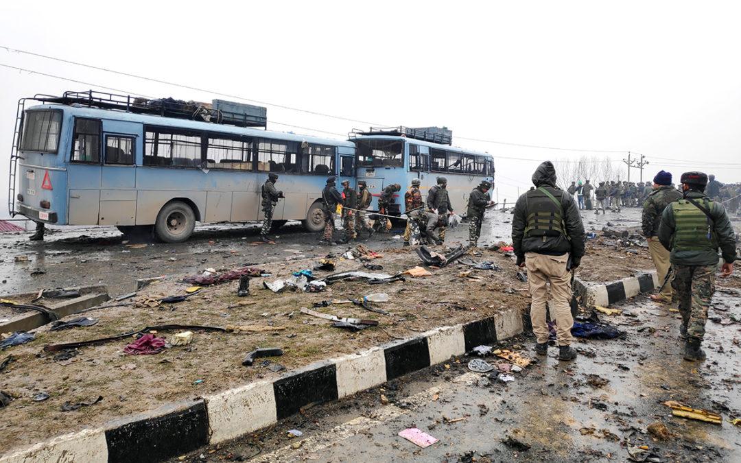إصابة 18 شخصا في هجوم بقنابل في جامو في كشمير الهندية
