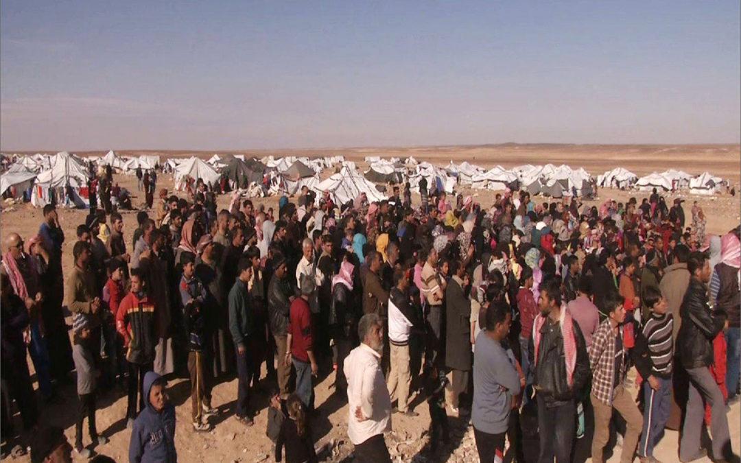 الأمطار تغمر مخيمات 40 ألف نازح شمال غربي سوريا