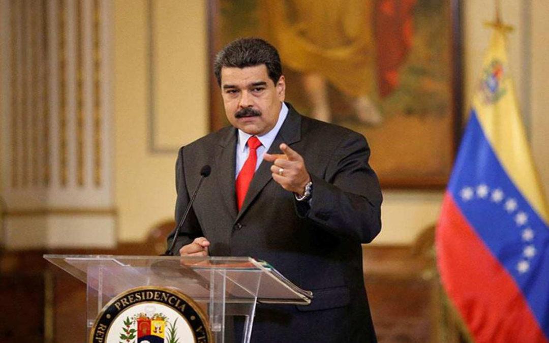 """مادورو يدعو الحكومة لاستخدام """"واتس آب"""" لكشف الحقيقة للفنزويليين"""