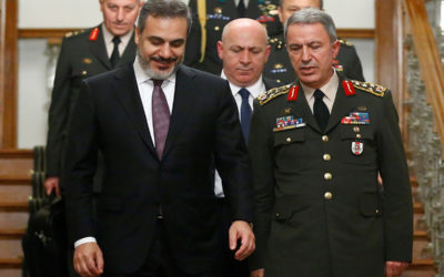وزيرا دفاع تركيا وروسيا ناقشا هاتفيا التطورات في إدلب وإجراءات خفض التوتر بالمنطقة