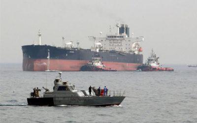 إخلاء الناقلتين في خليج عمان وسلامة أفراد الطاقم