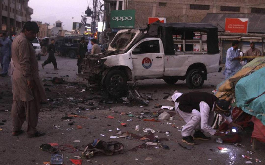 28 قتيلا على الأقل في انفجار قنبلة ل طالبان عند مرور حافلة في  أفغانستان