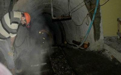 34 عاملاً عالقون في منجم كندي على عمق ألف متر منذ 24 ساعة