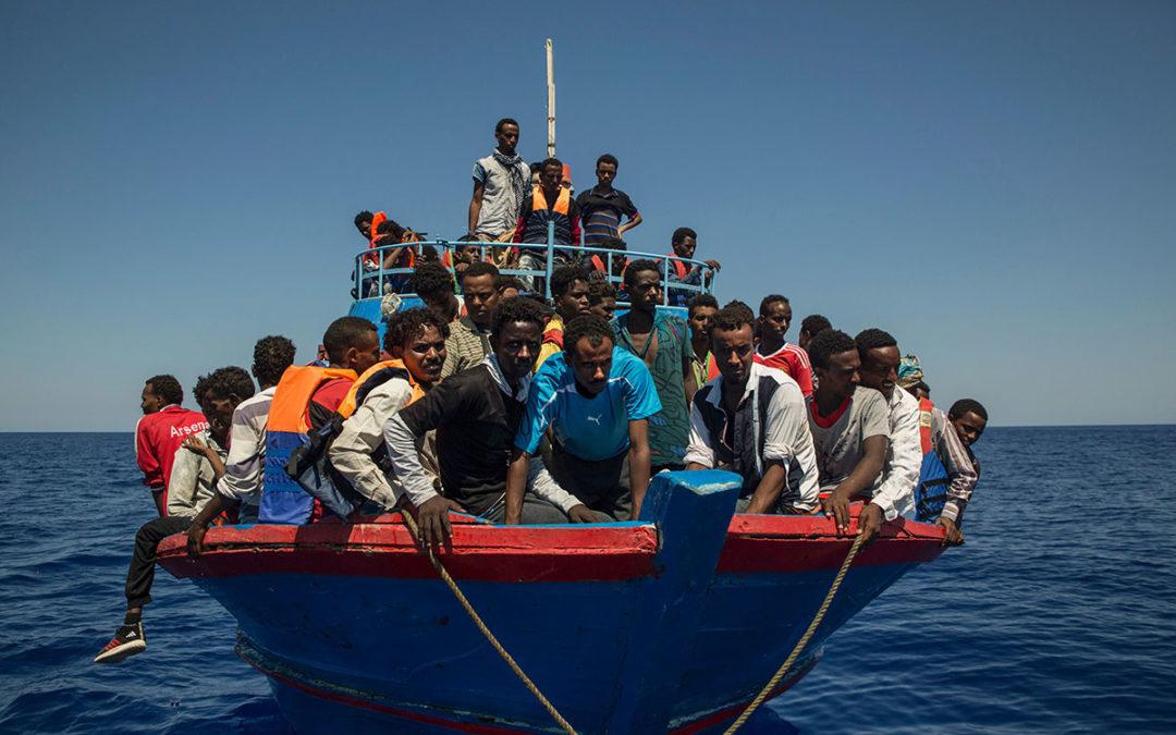 دول أوروبية تبدي استعداداً لاستقبال مهاجرين عالقين في المتوسط