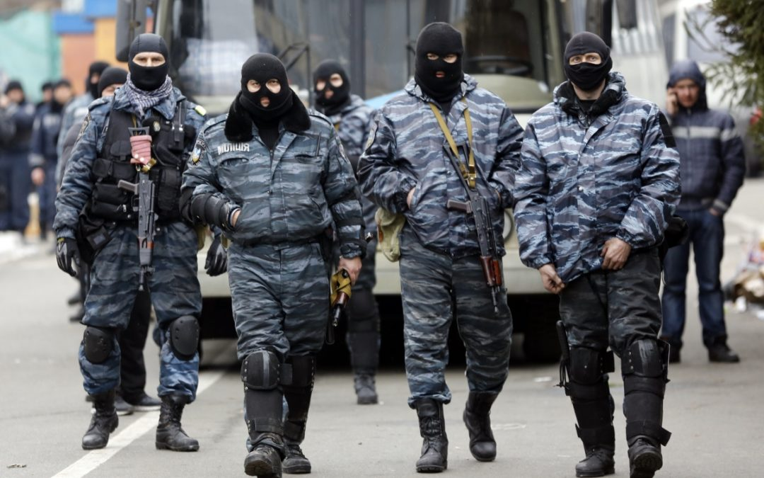 خطوبة بطريقة غريبة… موضة جديدة في روسيا