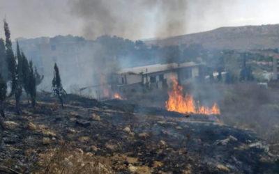 النيران في منطقة المشرف خفت حدتها والعمل على اخماد الجيوب المتبقية من الحريق