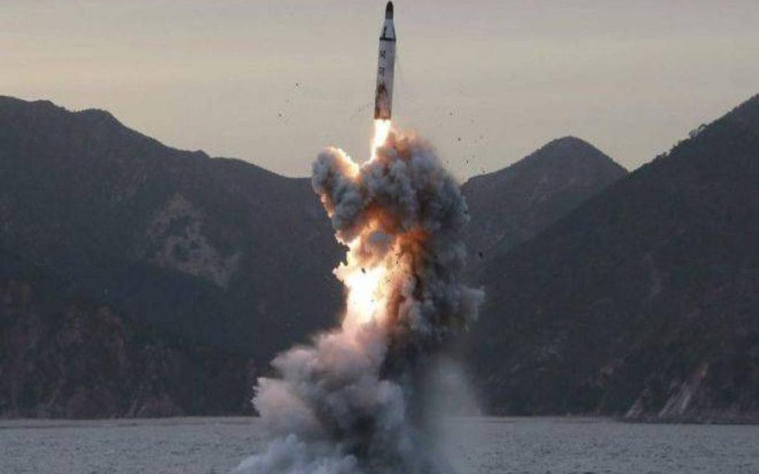 كوريا الشمالية اطلقت صاروخا بالستيا قبل محادثات مع واشنطن