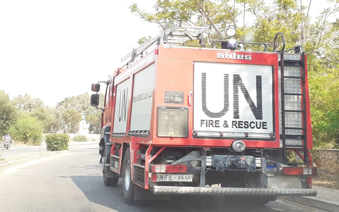 قوات اليونيفيل تشارك في عملية اطفاء الحرائق في المشرف