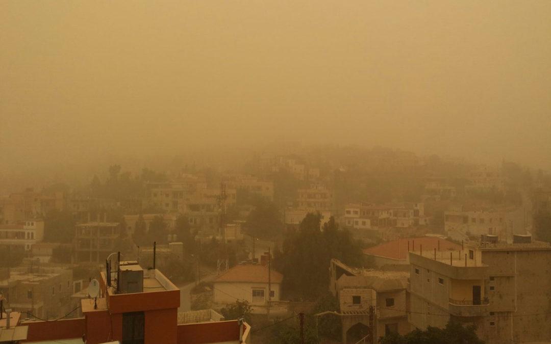 جنون طقس تشرين: حار ومغبر وأمطار موحلة وحبات برَد وصواعق!
