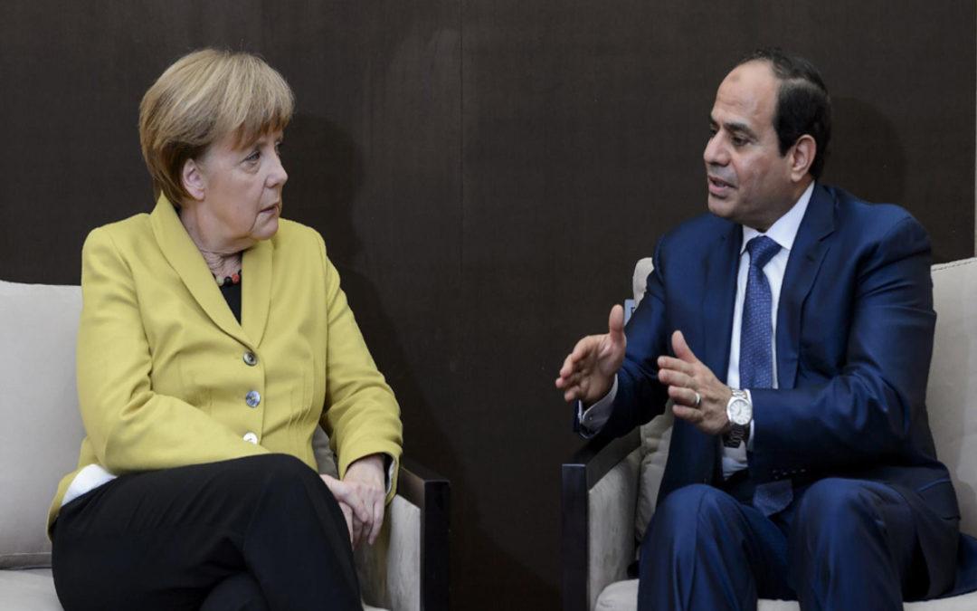 ميركل والسيسي يبحثان الوضع في ليبيا