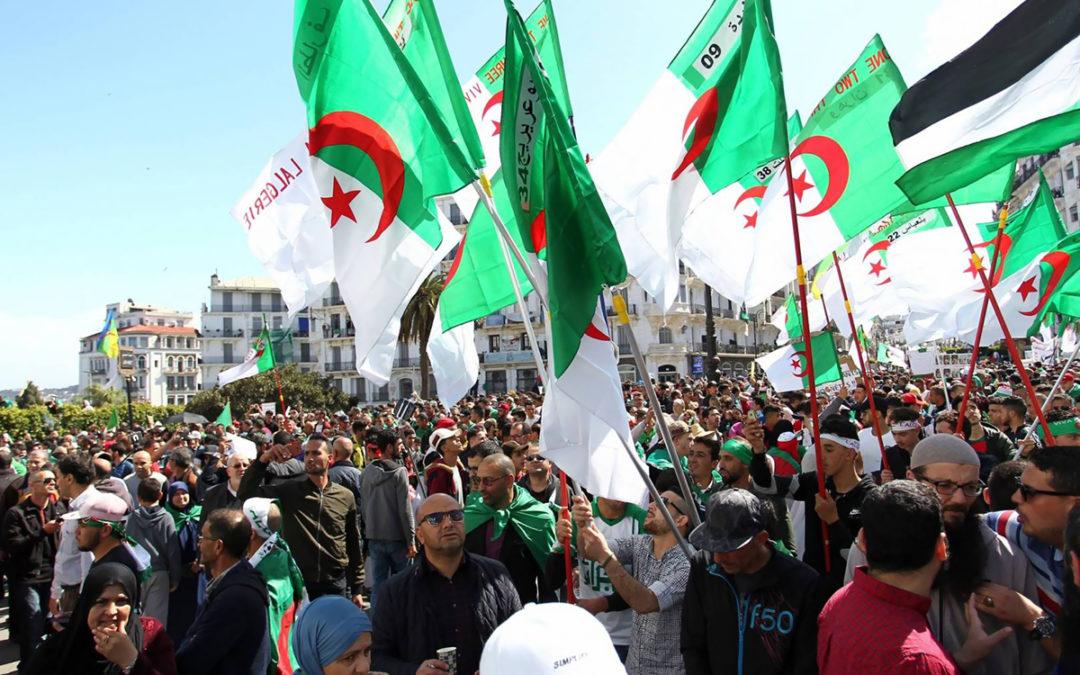 تحطيم مركزين انتخابيين في منطقة القبائل شرق الجزائر