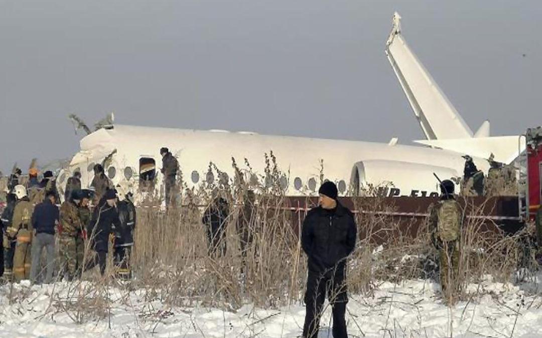 مقتل 14 شخصا بتحطم طائرة ركاب في كازاخستان