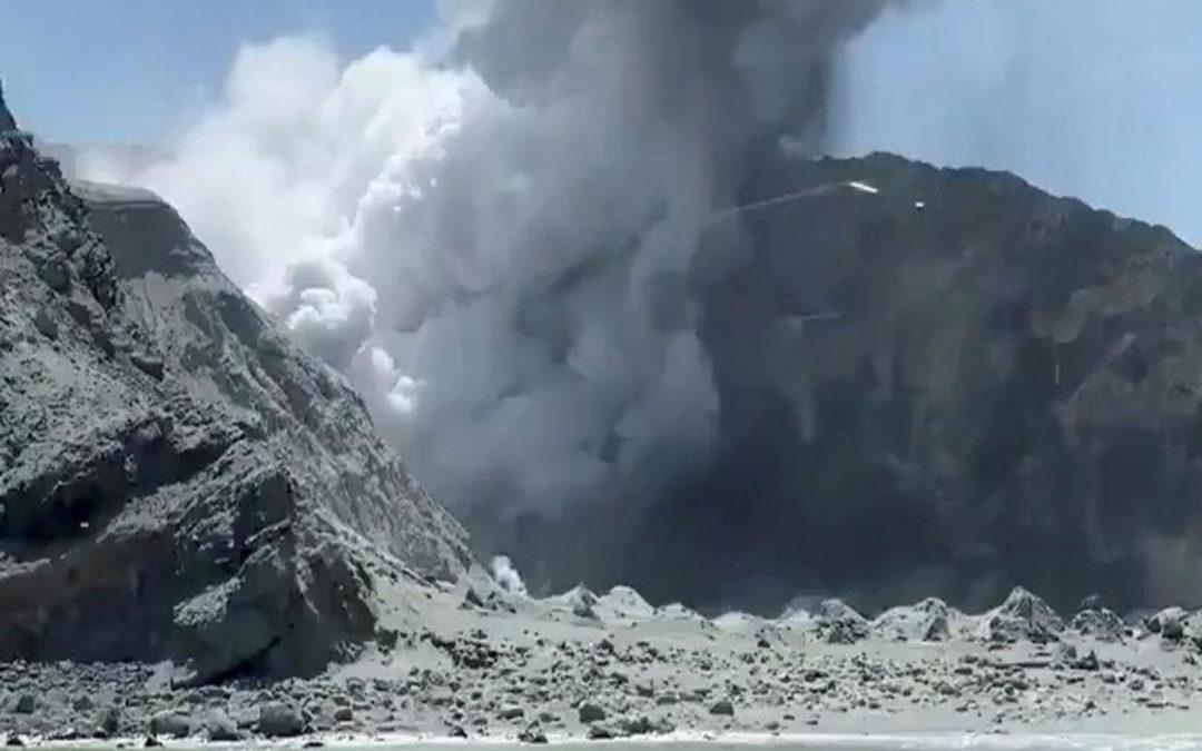 شرطة نيوزيلندا قلصت عمليات البحث عن جثث ضحايا ثوران البركان