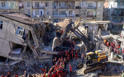 41 قتيلا حصيلة زلزال تركيا